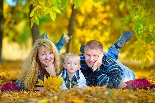 Homeopatia este o ramura a medicinei naturiste extrem de populara care  foloseste substante naturale, sigure si nontoxice in crearea remediilor.  Copiii raspund foarte bine la aceste tratamente care se dovedesc  eficiente intr-o multime de boli, de la cele psihice si comportamentale  (ADHD, autism, depresie etc.) pana la cele fiziologice (astm, gripa,  raceala, colici, dureri de dinti, probleme digestive etc.).