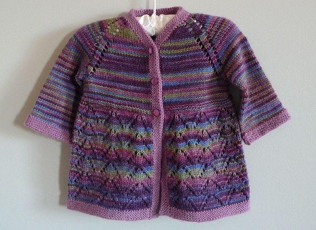 Baby cardigan -- free pattern