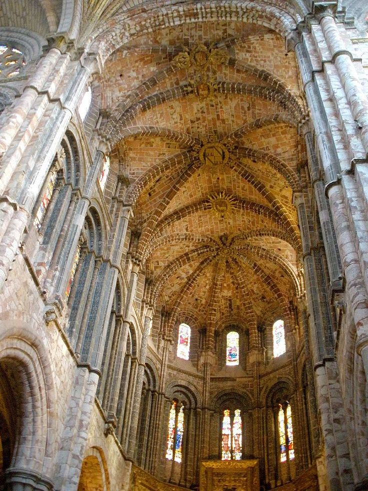 Avila   Catedral, Interiores 25   Gothic Architecture   Wikipedia, The Free  Encyclopedia