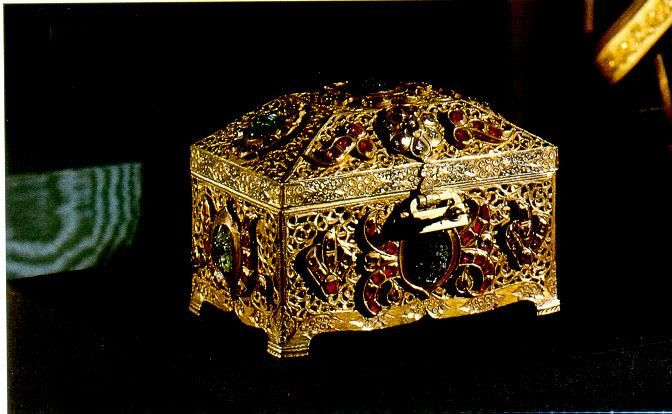 Reliquary containing the tooth of Prophet Mohammed- from the Topkapi Palace treasure