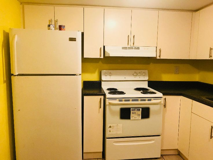York University Female Roommate Wanted ROOM IS ONLY FOR 1 PERSON FEMALE (WORKING or STUDENT) ONLY. Looking for friendly,clean female to fill a room in our house . *Rent is $700 *Free WiFi. *Laundry on side. *No short term stay. * 3 minute walk to bus stop. *Drinking and Partying is Prohibited. *All Hydro, Gas, Waters Bills is...  https://yorku.offcampuslistings.com/ads/york-university-female-roommate-wanted/