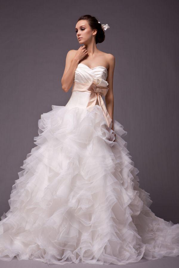 Wedding Dress style: Mary