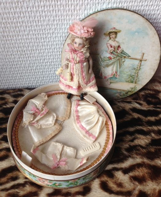 French all-bisque doll in box with wardrobe and accessories, www.rarities4you.com