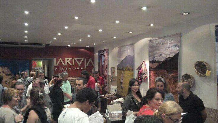 Muestra de Libros en La Casa de La Rioja en La Noche de las Provincias, Más info sobre viajes en www.facebook.com/viajaportupais  #lanochedelasprovincias #larioja #cuyo #turismo #viajes #argentina #viajaportupais