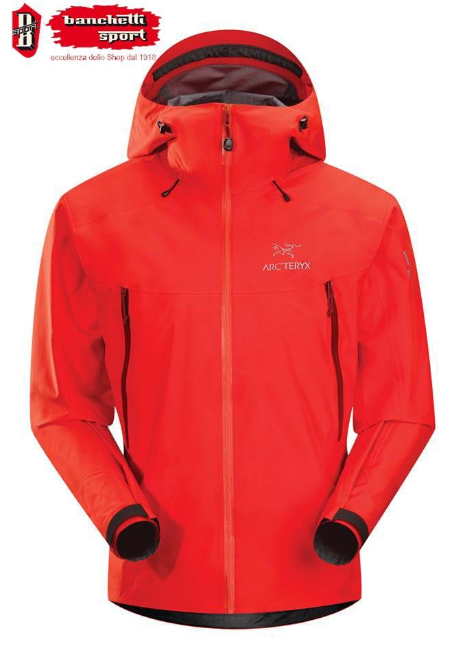 Il brand Arc'teryx è nato negli anni 90 in Canada con il lancio di una linea di #abbigliamento per #alpinisti e appassionati dell'outdoor in grado di offrire massimo comfort, protezione e alte prestazioni.http://goo.gl/Ne2viu — presso Banchetti Sport.