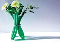 Die etwas andere Vase: Wir zeigen dir, wie du alte Schläuche in eine individuelle Vase umfunktionieren kannst.