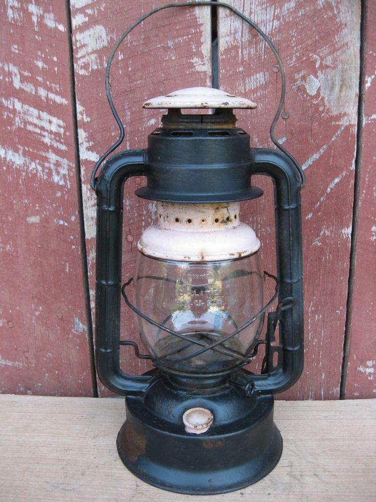 Antique Lantern DIETZ D-LITE No 2, with Matching Dietz Embossed Globe #primitive #Dietz
