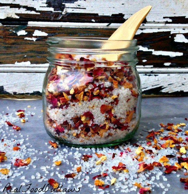 svieža kupelová sol z ruze a citrusových plodov - Citrusové Rose Bath Salts