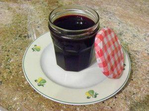 Ingrédients : 400g de nectar de mûres ( je passe les mûres à la centrifugeuse) 320g de confisuc Préparation: nettoyer les mûres et les passer à la centrifugeuse de façon à récupérer le jus et la pulpe en utilisant le presse nectar Mettre le jus dans le...