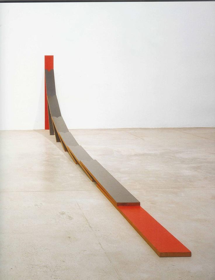 Nacho Criado - Homenaje a Rothko  1970 madera de cedro de Brasil pintada  180 21,5 x 700 cm