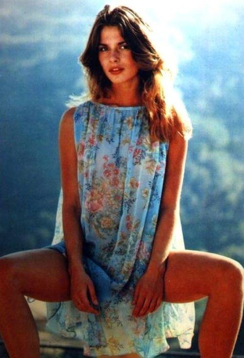 Nastassja Kinski, 1970s. Such a beautiful dress.