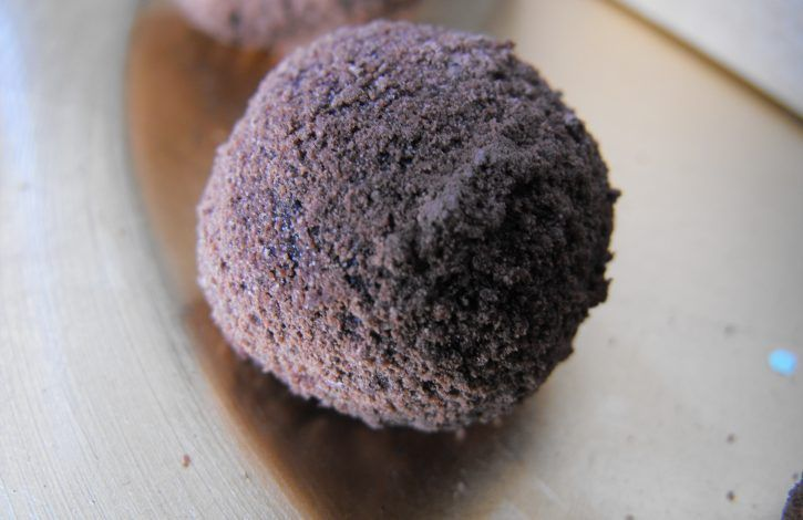 A single raw choc truffle
