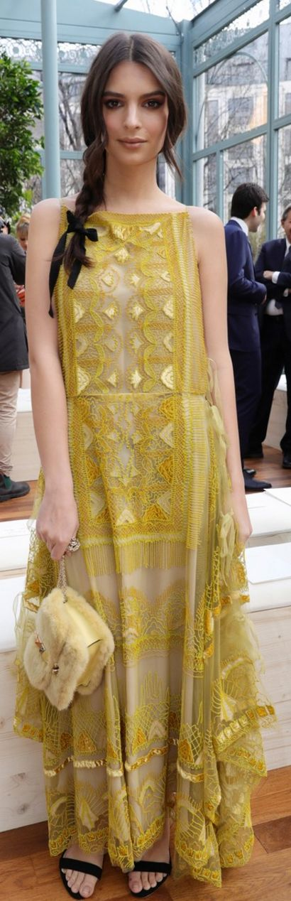 Who made Emily Ratajkowski's yellow lace gown and black slingback sandals?
