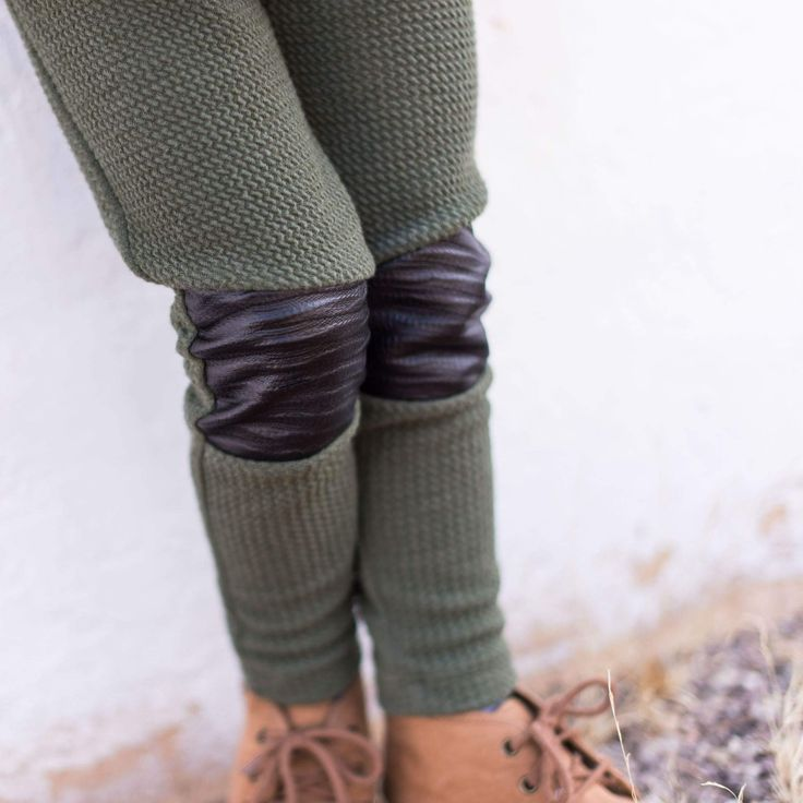 These Mini Street Kidswear Moto leggings are easy to style, fashion forward and so fun to wear. They are strechy and modern, which makes them so practical. Great quality handmade Stevie Leggings - Olive