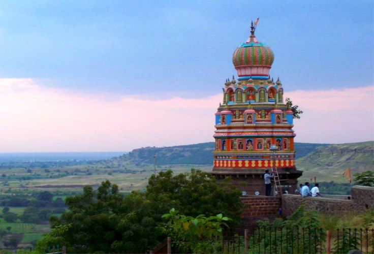 Solapur is an important city situated in the Southeastern region of Maharashtra. You can take Intercity Cab Nashik to Solapur. Famously touted as the 'Manchester of India' owing to its thriving cotton textiles industry..