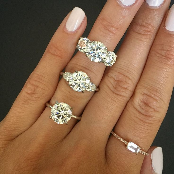 Interview With Justine - Founder of Beaumade - round cut diamond ring, ring selfie, wedding, three stone diamond ring