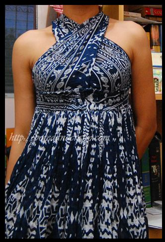 I love this dress. I am saving this one to my to do list. More DIY Dress Ideas from http://frugalfamilyfair.blogspot.com/
