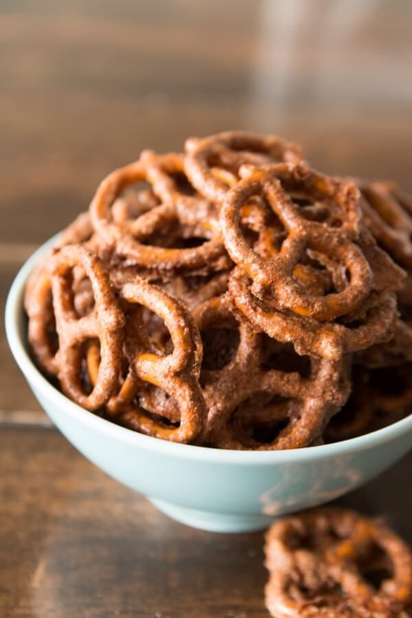 Easy Candied Pretzels via @ohsweetbasil