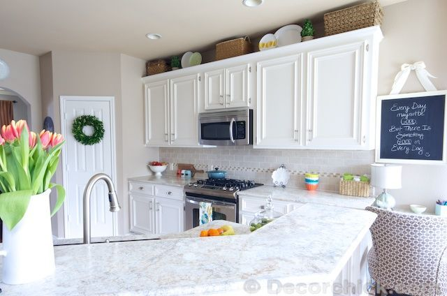 how to paint kitchen cabinets like a pro how to paint your cabinets like the pros and get the 9808