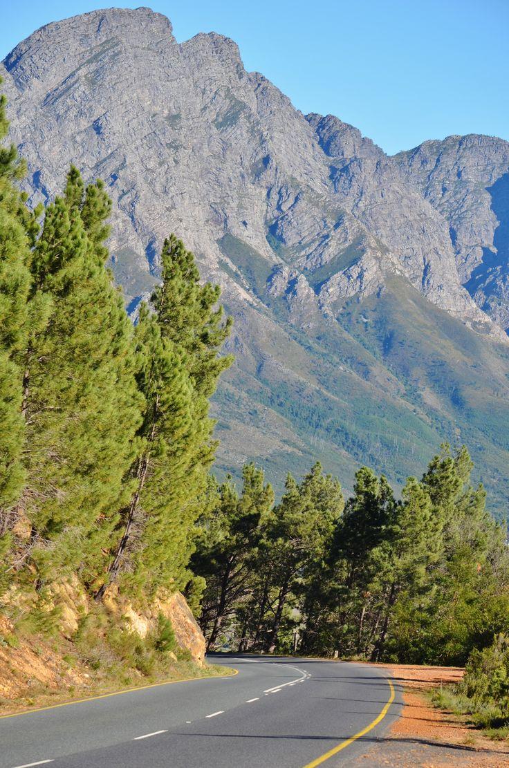 Franschoek mountain pass between Villiersdorp, Theewaterskloof dam and…