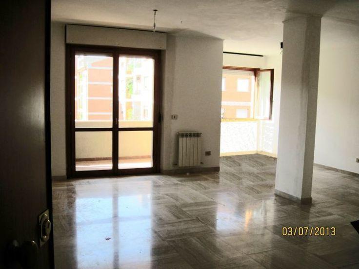 Appartamento ROMA Talenti Nomentano Affittasi Roma zona Talenti Nomentano appartamento signorile via Ada Negri terzo piano mq 120 composto da ampio salone di 42 mq, due camere letto, due bagni cucina