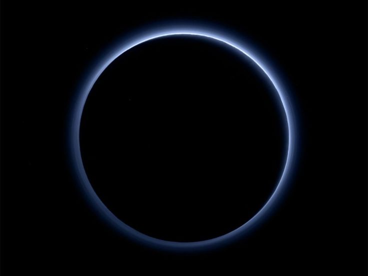 Nasa announcement: Pluto has blue skies and water ice, agency says, as it reveals stunning pictures of dwarf planet | Science | News | The Independent