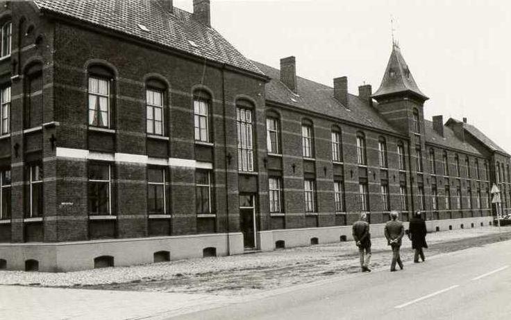 Hotel St Joseph Hoofdstraat 79-80 Budel-Dorplein