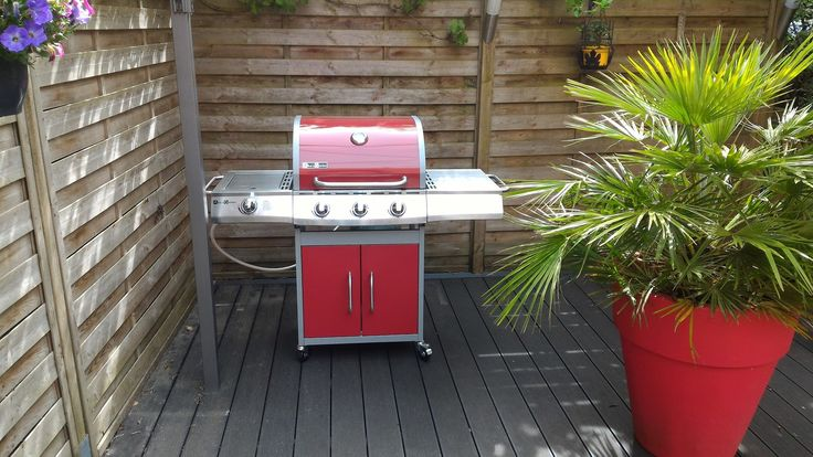 Georges  barbecue au charbon de bois   wwwalicesgardenfr - plan de travail pour barbecue exterieur