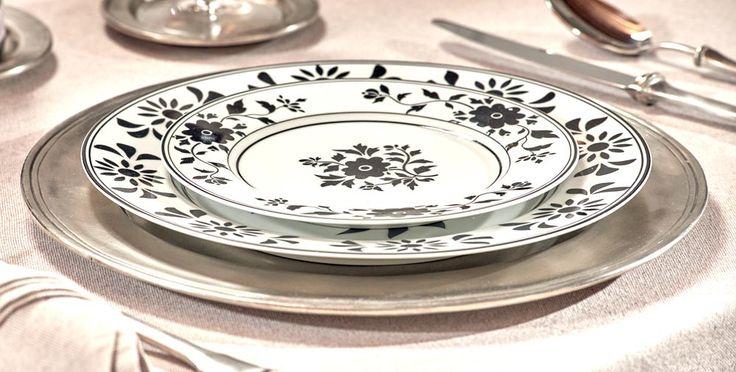 Pewter Charger Plate - Diameter: 31 cm (12,2″) - Food Safe Product - #pewter #charger #plate #peltro #sottopiatto #segnaposto #zinn #platzteller #peltre #tinn #олово #оловянный #tableware #dinnerware #table #accessories #decor #design #bottega #peltro #GT #italian #handmade #made #italy #artisans #craftsmanship #craftsman #primitive #vintage #antique