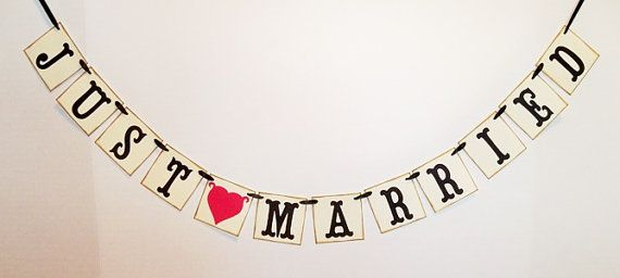 mini JUST MARRIED banner/ wedding garland/ car sign/ reception bunting/ photo prop/ can color customize