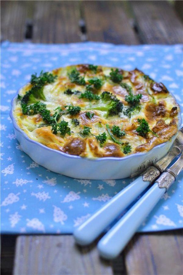 Запеканка из лосося, брокколи и спаржи в сливочном соусе