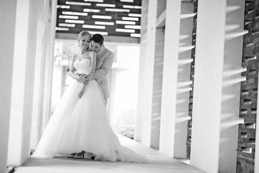 To be with you is the perfect escape.. | AKIphotograph  #alilavillasuluwatu #weddingphotography #weddings #baliweddings #weddinginspirations #destinationwedding