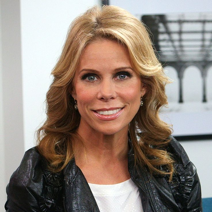 """Cheryl Hines on a Curb Your Enthusiasm Reunion: """"I Would Like That"""": Cheryl Hines is back as the colorful Dallas in Suburgatory, which just returned to ABC and airs Wednesday at 8:30 p.m./7:30 p.m."""