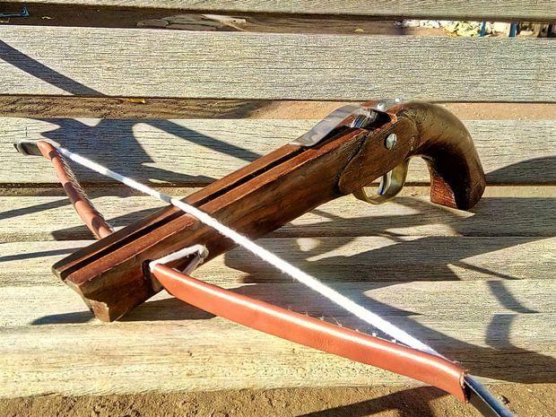Make a hardwood Pistol Crossbow
