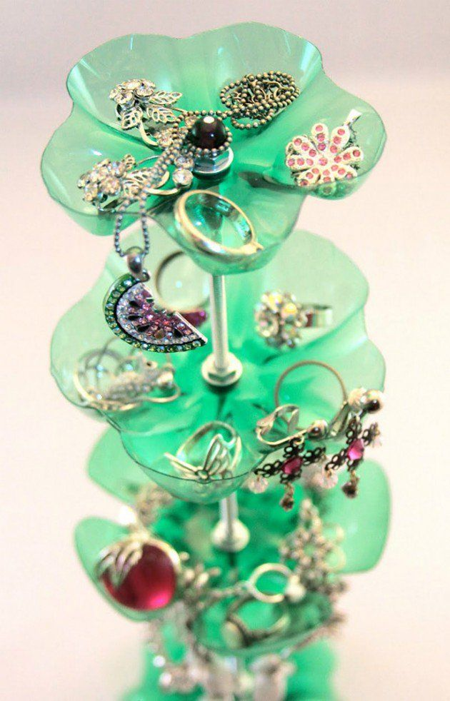Jewelry holder - 45 Ideas of How To Recycle Plastic Bottles