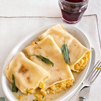 Pumpkin Cannelloni with Sage Brown-Butter SauceFall Pumpkin, Sauces Recipe, Sage Brown Butt, Pumpkin Recipe, Brown Butt Sauces, Dinner Ideas, Food Recipe, Pumpkin Cannelloni, Comforters Food