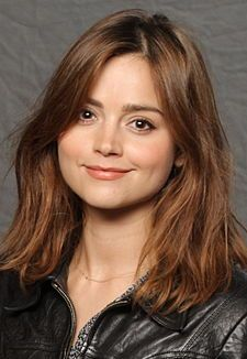 Jenna-Louise Coleman (Blackpool, Lancashire, Inglaterra; 27 de abril de 1986), más conocida como Jenna Coleman, es una actriz inglesa. Es conocida por aparecer en Emmerdale Farm y por interpretar a Clara Oswald, acompañante del Undécimo y Duodécimo Doctor...