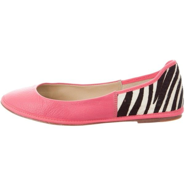 Pre-owned Diane von Furstenberg Leather Ballet Flats ($65) ❤ liked on Polyvore featuring shoes, flats, animal print, pink shoes, animal print flats, round toe flats, leather flats and pink ballet flats