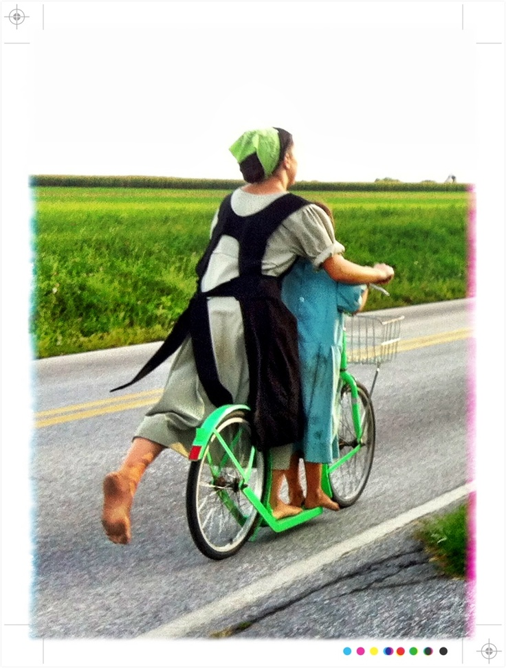Traveling Amish Girls Photo taken by Cindy Tracey September 4, 2012