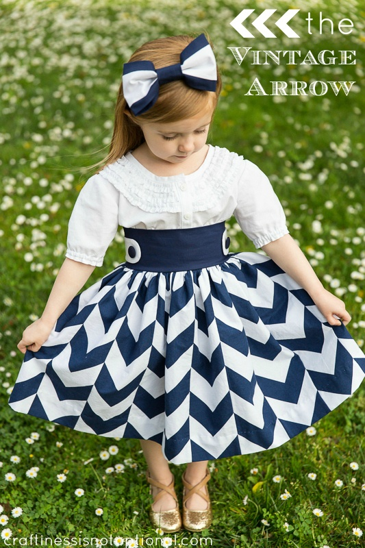 Project Run and Play: Love the full print skirt with a crisp white blouse