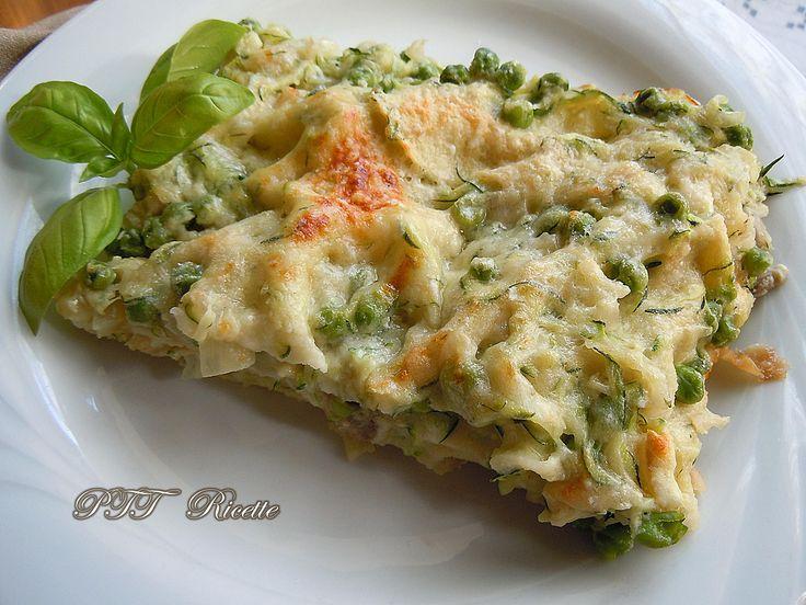 Lasagne di pane carasau vegetariane, con piselli, funghi porcini, scalogni e zucchine. #lasagne #panecarasau #pane #carasau #vegetariane #funghi #piselli #ricetta #recipe #italianfood #italianrecipe #PTTRicette