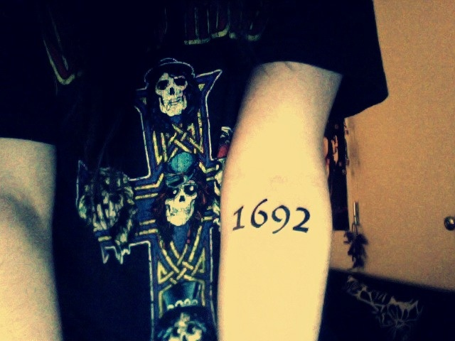 salem witch tattoo ** that would be cool on the back of ur neck