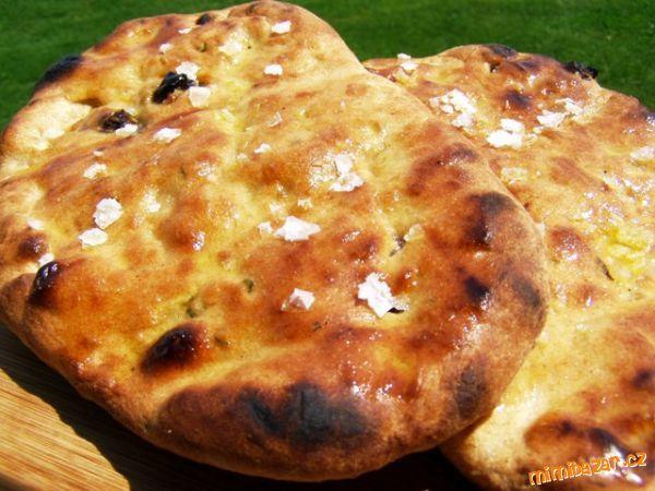 Chlebové placky na grilu