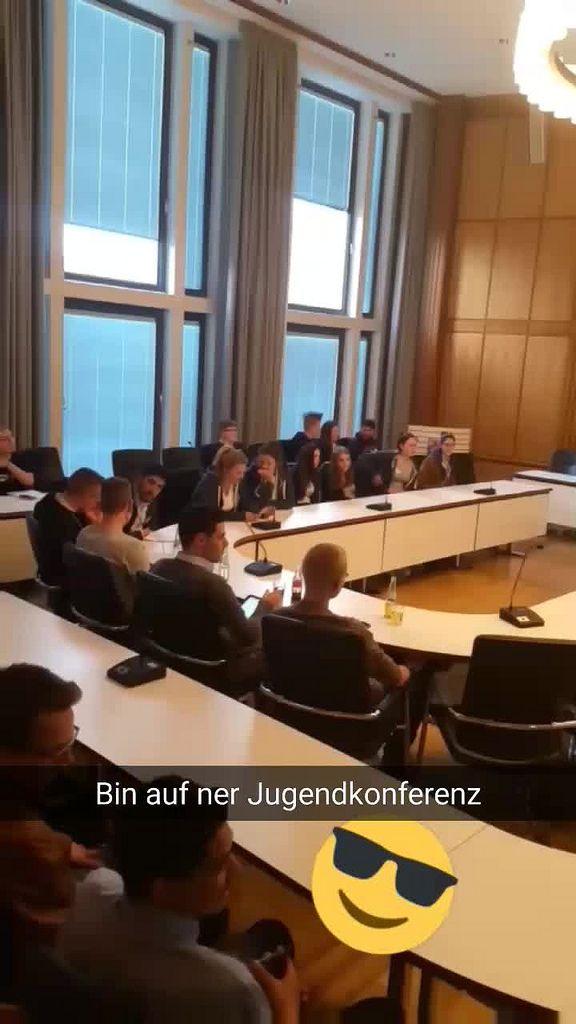 """Snapchat Geschichte: Jugendkonferenz """" Jugend macht Stadt"""" im Rathaus der Stadt Düren"""