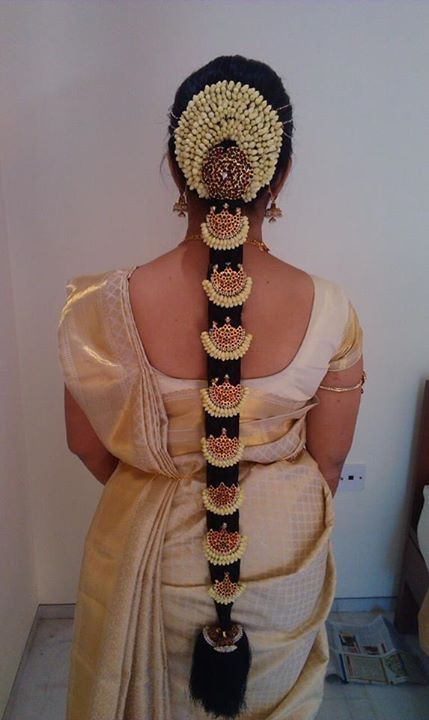 Marvelous South Indian Bridal Hairstyles For Long Hair With Flowers