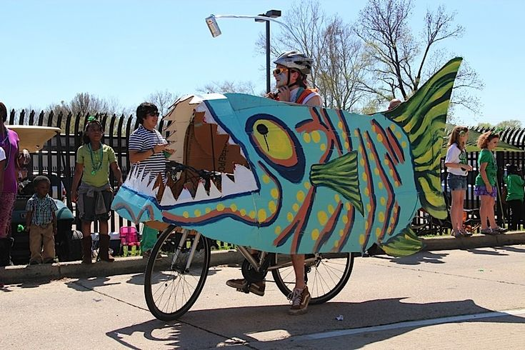 Mals St. Paddys Parade #fish #bike #parade