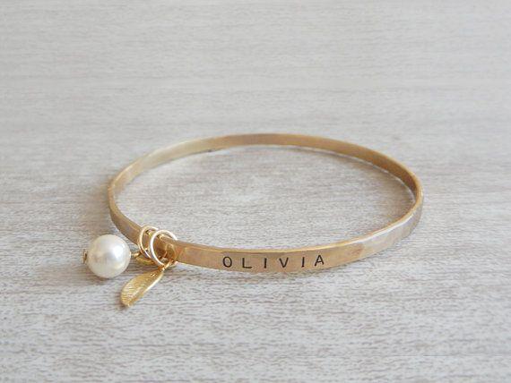 Personalized Bangle Bracelet - Hand Stamped Bracelet - Pearl Bracelet - Name Bracelet - Bridesmaids Bracelet - Custom Bracelet -Gift For Her. www.foxandfigs.etsy.com