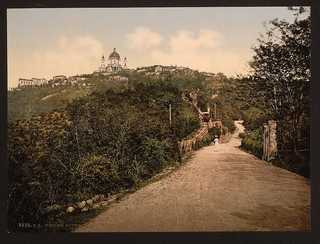 La strada per Superga / [Road and railway, Turin, Italy]    [between ca. 1890 and ca. 1900].