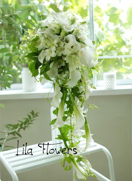 リラ フラワーズ(Lila Flowers) キャスケードブーケ WHITE & GREEN