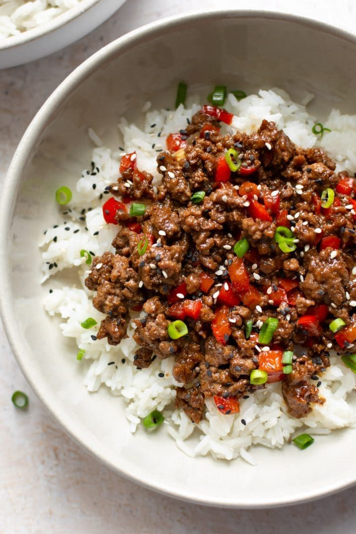 These Ground Beef And Rice Bowls Are Ideal For Busy Families The Korean Inspired Sauce Is Out Of This World Beef Bowls Recipes Easy Beef